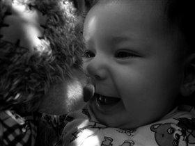 любимая доченька с любимым мишкой!