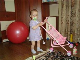 Моя любимая игрушка-коляска!