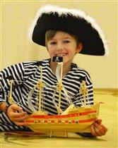 Свой пиратский и любимый корабль я собрал сам!