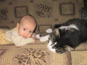 Максимка и кот Барсик!