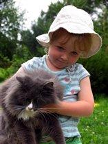Катя и кот Тима