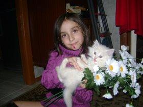 Маша с Персиком