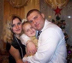 мы свою доченьку Юляшку обожаем