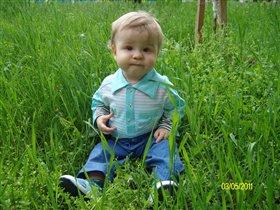 В траве сидел кузнечик