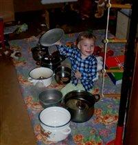 юный повар-музыкант