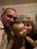 любовь от мамы и папы к ребёнку - самое главное !