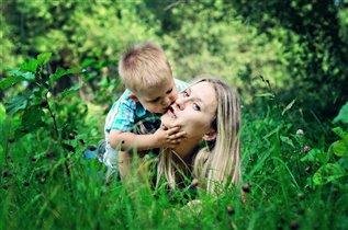 Мама, дай я тебя поцелую крепко-крепко!)