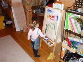 Будущая художница!