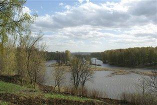 Река Сестра весной.