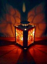 Освещённые свечёй.
