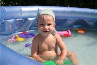 я люблю купаться))