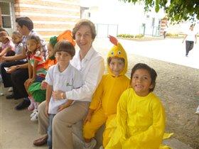 Андрюша с директором школы.