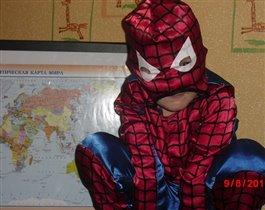 Человек-Паук спасет мир!:)