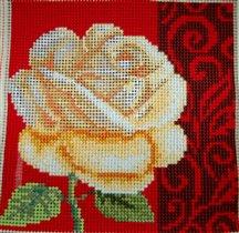 Подушка с розой