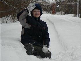 Вовка на снегу