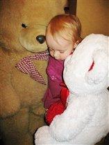 Спят усталые игрушки,детки спят.......