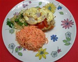 Треска под шубой с салатом из моркови