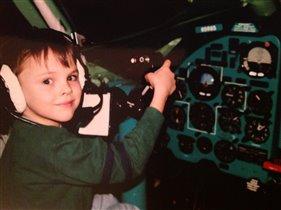 Я бы в летчики пошел, пусть меня научат .
