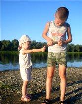 Рыбачка Соня, рыбачит с Даней!
