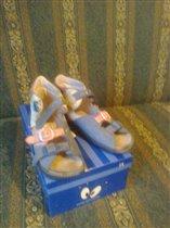 сандалии сине-розовые длина по стельке 18,5 см