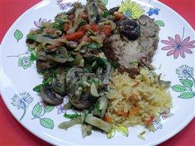 Свинина с овощами и рисом