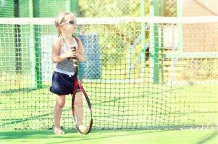 Теннис - это вам не шутка, не отвлечься на минутку