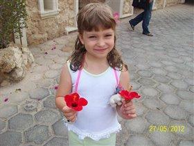 Наташка и цветочки