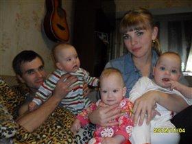 наше счастье в наших руках :)))