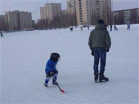 Мне нет и 2 лет, а я уже настоящий хоккеист!