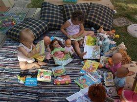 Настюша, Паулинка и куклы. Читаем вместе!!!!!