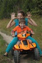 Прокачу маму на квадроцикле!