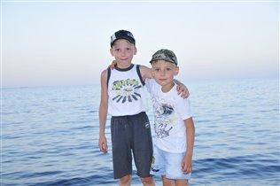Мои мальчишки ждут лета и ...на МОРЕ!!!!!!!!!!