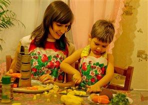 Режем овощи для щей, сколько нужно овощей?