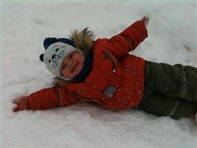 поваляюсь - Я в снегу ))