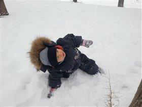 даже на снегу я практикую йогу