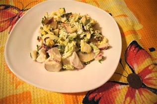 Весенний салат из редиски с яйцом
