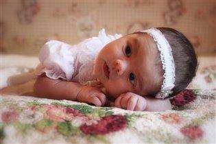 Нашій принцесі 2 тижні життя)))