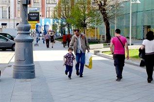 А я иду шагаю по Москве и Дед мой лучший друг.