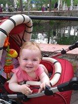 В парке, у пруда