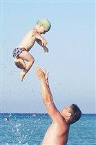 Давай с тобой попрыгаем и ножками подрыгаем -)))
