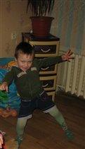 Танцуй пока молодой мальчик!