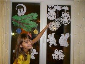 Детская сказка на зимнем окне