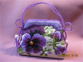 Риолис 1039 Игольница-сумочка 'Анютины глазки'