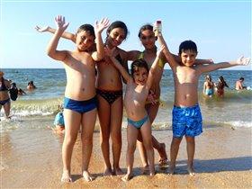 плавать вместе-веселей!!!!!!!!!!!!!