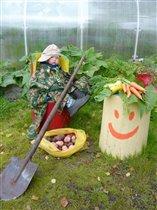 Тёмочка собрал урожай:)