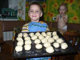 Я пеку, пеку, пеку - деткам всем по пирожку!