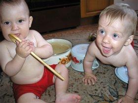 Мам! тебе суп в какой кастрюле сварить?!..