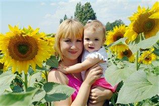 Подсолнухи цветут и мы из дочей тут)))
