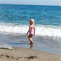 у моря, у синего моря)))