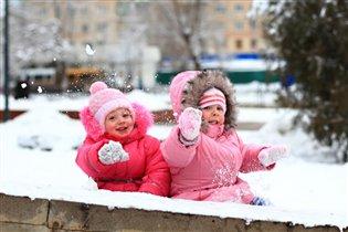Чемпионки по метанию снежков